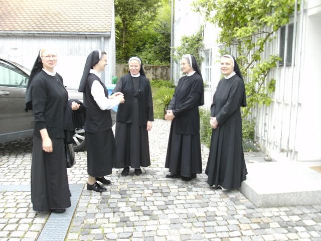 Vrhovna predstojnica kanonski pohodila naše sestre u Njemačkoj