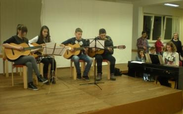 Prvi glazbeni koraci – Javni sat sviranja u Maloj školi