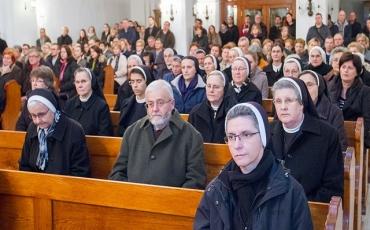 Sisak: Susret redovnica i redovnika povodom blagdana Svijećnice i završetka Godine posvećenog života