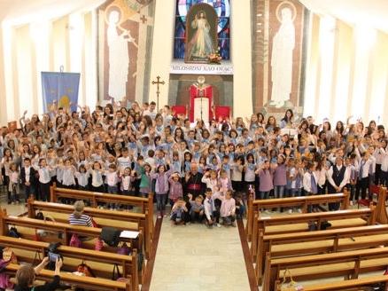 Banja Luka: Susret dječjih zborova Zlatna harfa