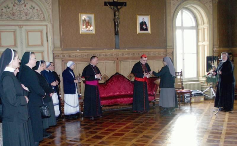 Božićno i novogodišnje čestitanje redovnica uzoritom nadbiskupu zagrebačkom