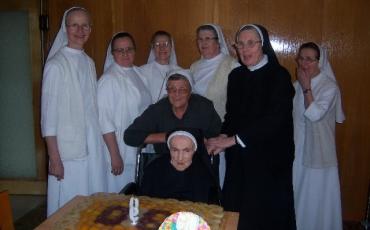 90. rođendan sestre Taveline