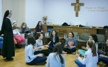 Molitveno – odgojni seminar za djevojke