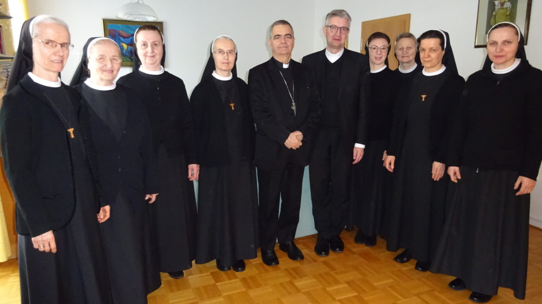 Mainz: Susret nadbiskupa Eterovića i biskupa Kohlgrafa sa sestrama