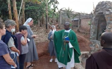 Rwentobo/Uganda – Blagoslov Gospine špilje i slavlje mlade mise